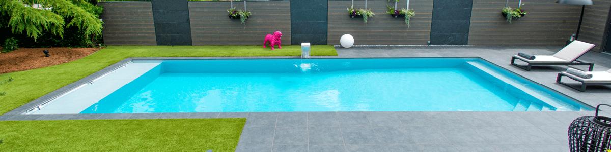 Est-ce mieux de construire une piscine en béton où mettre une coque ?