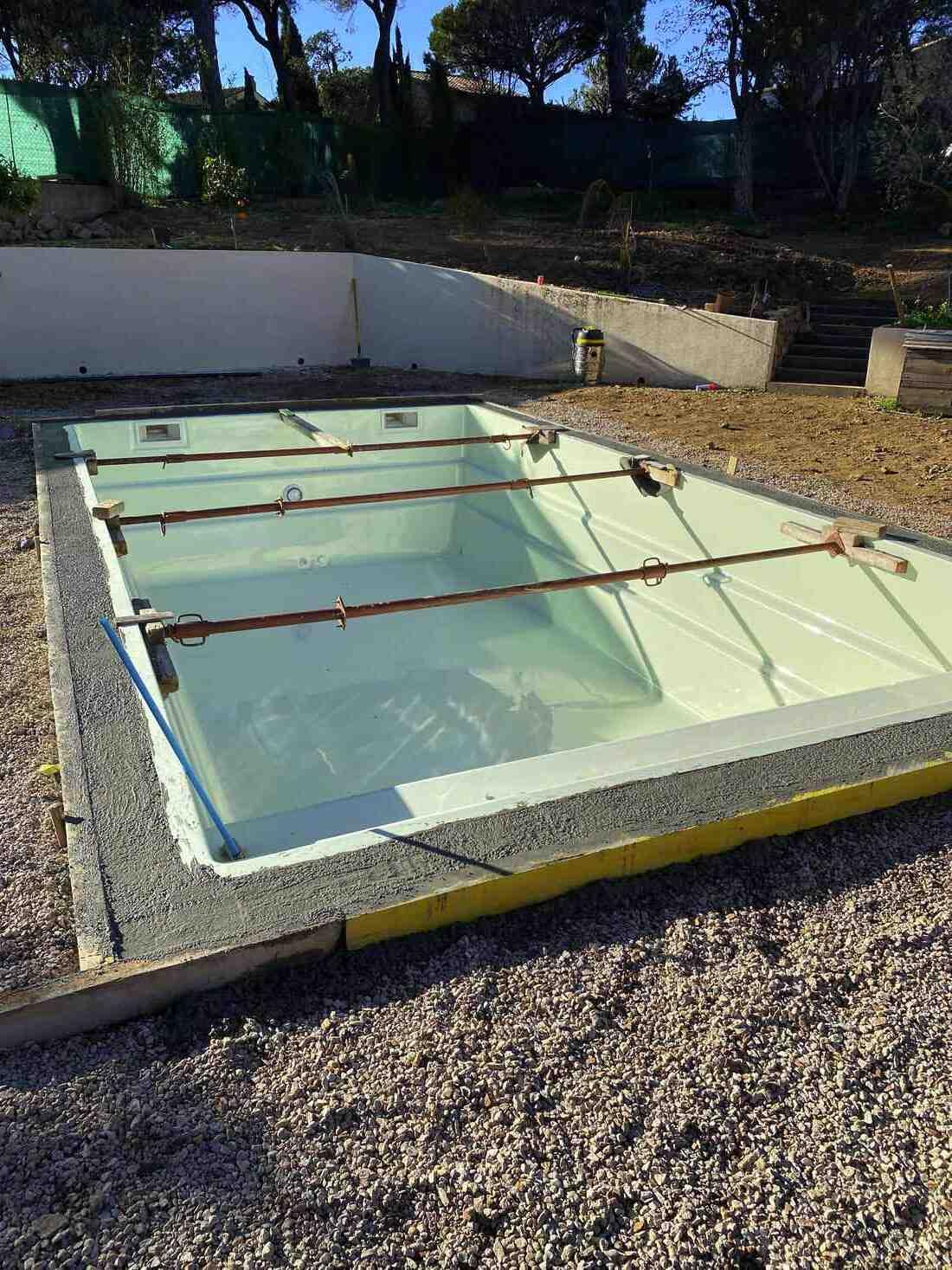 Piscine coque ou beton