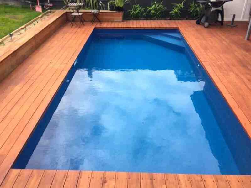 Comment poser une plage de piscine en composite ?