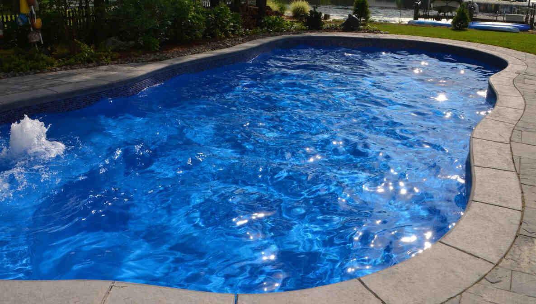 Que choisir piscine coque ou beton
