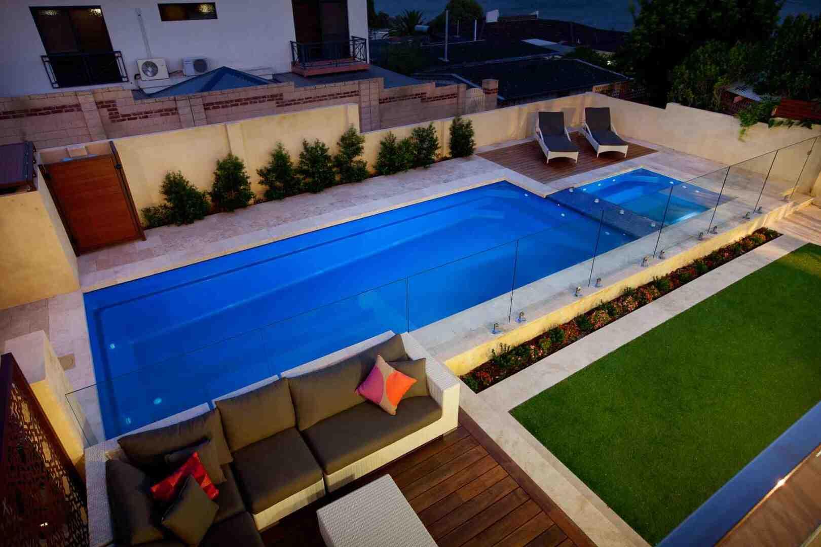 Quelle piscine dans un sol argileux ?